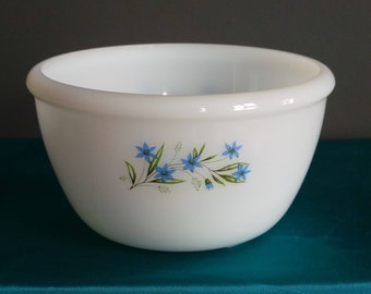 Vintage pyrex - phoenix small mixing bowl or pudding basin with blue flowers