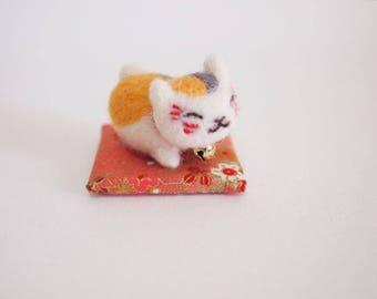 Needle Felted Cat - Felted Cat - Felt Fortune Cat - Felt Cat - Nyanko Sensei