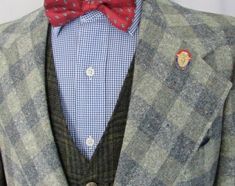 Vintage 100% Wool TWEED Blazer ~ 40 Long ~ Check Plaid ~ suit jacket / sport coat ~ 1970s