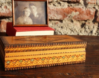 Trinket Box - Small Box - Wooden Memory Box - Vintage Keepsake Box - Pyrography Box - Jewelry Box - Decorative Box with Lid - Storage Box