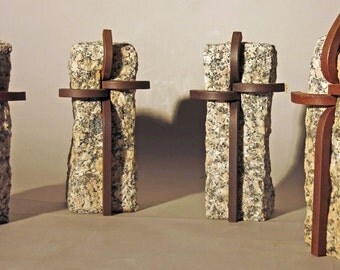 Sculpture / sculpture: cross