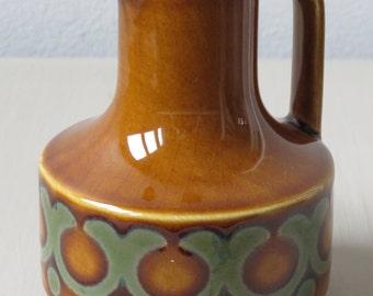 Hornsea Bronte 1974 / Oil or Vinegar Jug / Vintage / Retro / British Pottery / MADE IN ENGLAND