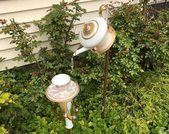 Golden Jeanie lamp birdfeeder