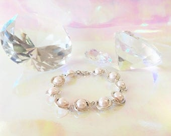 Pearl Bracelet with light pink Pearls