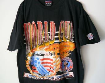 1994 World Cup USA Soccer T-Shirt // Men's L