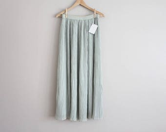 pale green skirt | textured skirt | crinkle skirt