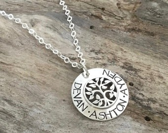 Holiday gift for family |  Family Tree Necklace| Personalized Names | Gift for Mom | Mother Jewelry | Sterling Silver