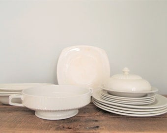 15 Piece Ridgways Bedford Ware Old Ivory Pattern Dinnerware – Made in England