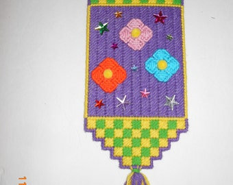 Flower and Star wall hanging, Plastic canvas , flowered, stars, gems