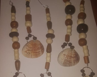 Lot of 5 seashell and wooden beaded Christmas ornaments