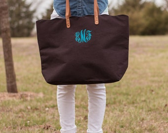 Monogram Jute Tote | Monogrammed Tote | Summer Tote | Scalloped Edge | Leather | Beach Tote | Monogram Gift | Bridesmaid gift | The Seaside