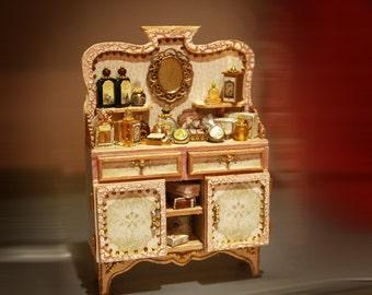 Miniature Cabinet 1/12 , Dollhouse Miniature, miniature furniture, Diorama, miniature parfum