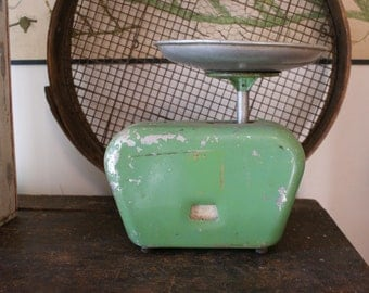 charming rare green kitchen scales / made in australia / rustic / vintage kitchen scales / farmhouse  / vintage kitchen / primitive