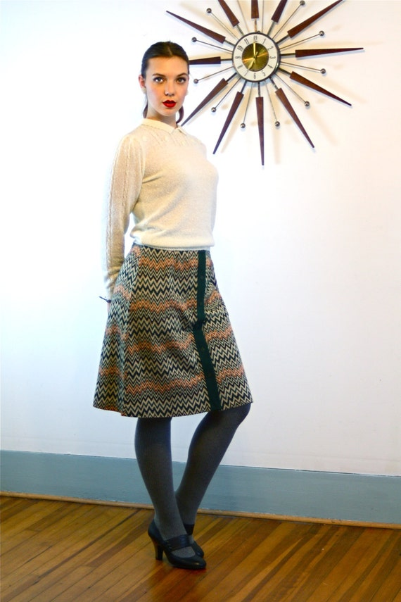Vintage 70s Zig Zag RUSS Skirt High Waisted Button Down A-Line Flared Above the Knee Earthy Dark Green Orange Brown Striped 1970s Jupe
