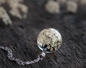 Queen Anne's Lace Necklace | Lace flower necklace | Resin globe necklace | Eco friendly jewelry | Gift for women | Flower snowflake pendant
