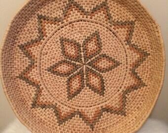 """XL (18"""") woven basket tray w/handles"""