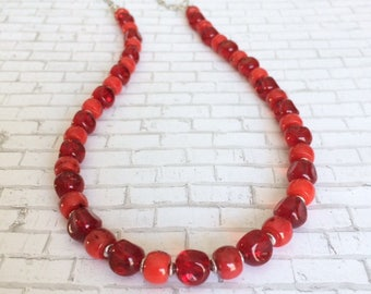 Red Coral Necklace Chunky Coral Necklace Chunky Red Necklace Bold Red Statement Necklace Red Glass Bead Necklace Red Bamboo Gemstone Gift