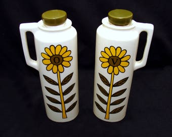 Vintage oil and vinegar set - mid century modern kitchen -old oil and vinegar bottles -vintage sunflower kitchen-mid century modern china