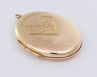 Vintage C1940s 9ct Yellow Gold Locket