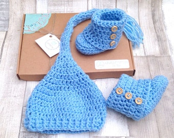 Blue Baby shower gift, baby booties and hat, Newborn gift, 0-3 3-6 months, gift set , pixie stocking hat, crocheted baby set, baby clothes