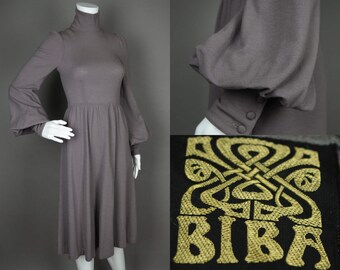 Poesy || Vintage 60's Designer Biba Romantic Medieval Gray Wool Jersey Dress with Mock Neck and Billowing Bell Poet Sleeves || Extra Small
