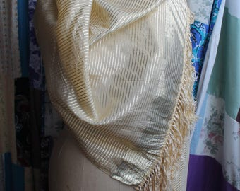 Gold evening wrap REF 549
