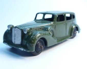 1939-50 Dinky No.39a Packard Super 8