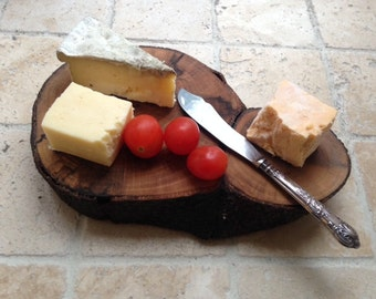 Wooden cheeseboard - solid wood cheeseboard - wooden gifts - foodie gift - cooking gift - English beech wood - made in Sheffield
