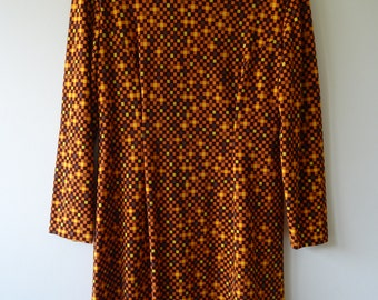 Long-sleeve vintage mini-dress mod 1960's Brown and Orange Square Pattern