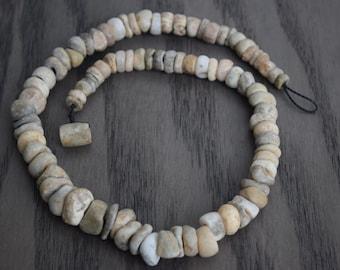 Precolumbian Alabaster and Jade Beads Necklace .