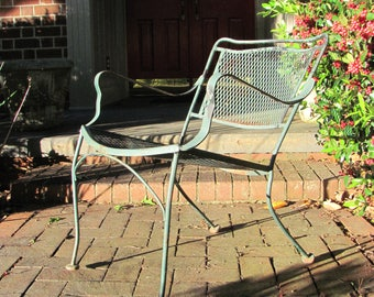 Flamboyant Vintage Steel Mesh Patio Arm Chair