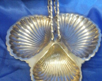 Silver Plated 3 Sectioned Serving Dish for Hors d'oeuvres with Handle