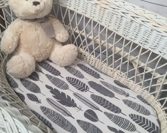 Baby bassinet, moses basket, Uppababy, Bugaboo, Boori, Stokke Sleepi mini fitted sheet, baby bedding - charcoal tribal feathers