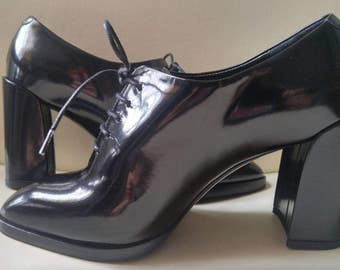 Christian Dior patent leather oxford shoes / chunky heel / Size 5.5 / 35.5 / 1990 fashion