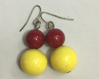 Retro, pin up drop earrings in bright yellow and red, very lightweight