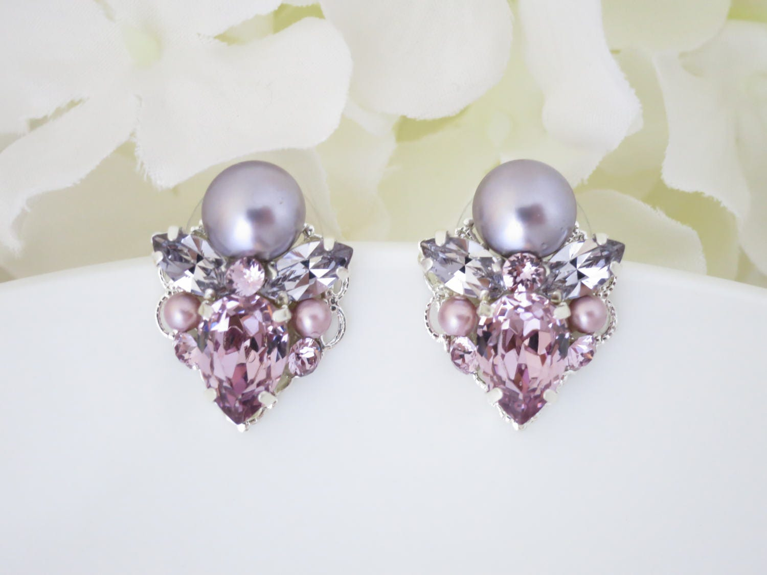 Light amethyst wedding earring, Swarovski crystal and pearl post earring, Purple and mauve bridal earring, Bridesmaid earring