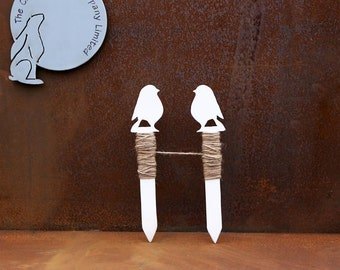 Garden stringline - white robin