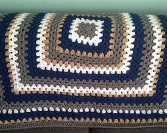 Baby blanket boy blue crochet granny square / THE LITTLE GYPSY