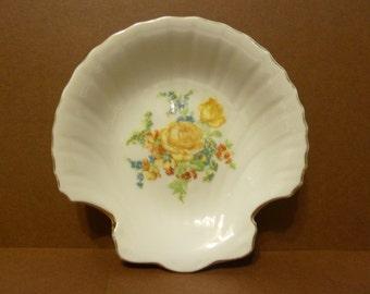 Shell Shape soap / Trinket Dish