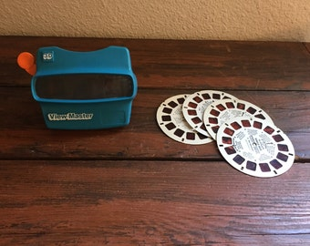 Vintage Blue 3-D ViewMaster with 4 Disney Reels