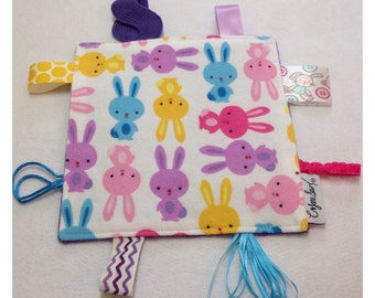 Bunny tag toy, crinkle tag toy, tag teether, baby crinkle paper, sensory tag toy, rabbit baby toy