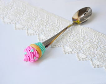 Sweet spoon with decor from polymer clay. Tea spoon. Tasty spoon. Handmade spoon. Polymer clay spoon. Capcake.