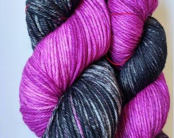 Hand Dyed Yarn, 100 g Worsted Weight, 100% Superwash Merino,magenta and black Ready to ship, Digital Ghost