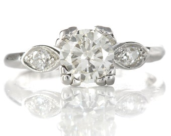 Vintage diamond engagement ring | 0.92 carat round diamond | platinum | Circa 1950 | independent report