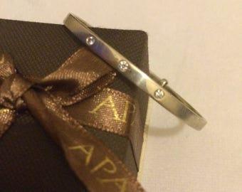 9ct white gold and diamonds child's adjustable bangle
