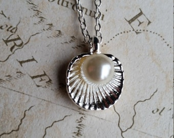 Shell Necklace, Pearl Necklace, Beach Necklace, Shell Jewellery, Shell Jewelry, Shell Pendant, Ocean Necklace, Ocean Pendant, Mermaid, Sea