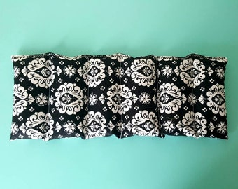 Rice bag / Black and white fleur-de-lis  / rice heating pad / pain relief/  heat and cold therapy pack / relaxation/  microwavable
