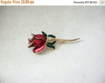 ON SALE Retro Gold Tone Rose Enameled Pin 31617