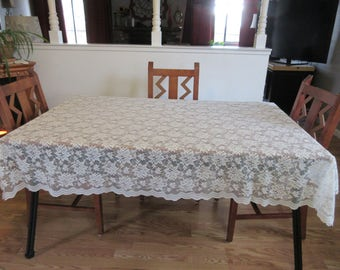 "Vintage Lace Tablecloth - 74 3/4"" x 49"""