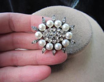 Vintage Faux Pearl & Clear Rhinestone Pin